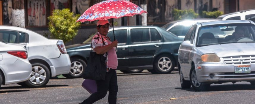 Calor pone en emergencia a 24 estados