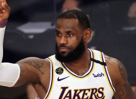 LeBron James impone récord de victorias en Playoffs NBA